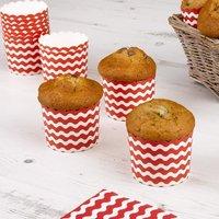 Muffinförmchen mit roten Wellen